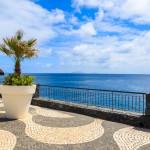 Promenade an der Küste von Madeira